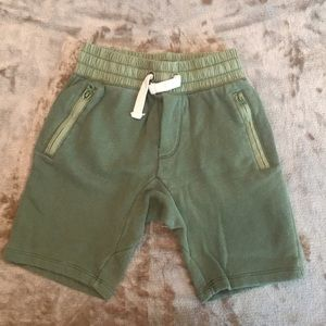 Gap olive green shorts size s